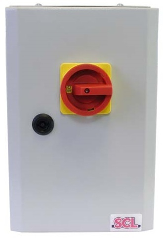32A 4 POLE ON-OFF FUSED SWITCH IP65 METAL ENCLOSED INC FUSES
